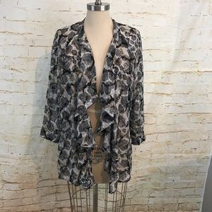 Daniel Rainn L ruffled kimono euc stitchfix cascad